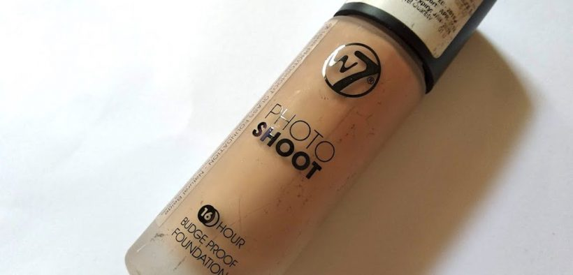W7 Photo Shoot 16 Hour Budgeproof Foundation Review