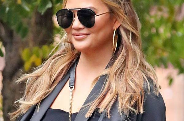rs 600x600 181113163102 600 chrissy teigen nyc me 11318