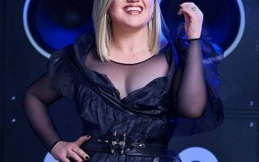 rs x kelly clarkson for billboard music awards