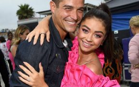 rs x Wells Adams Sarah Hyland Teen Choice LT GettyImages