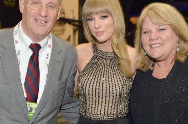 rs x taylor swift parents.cm.