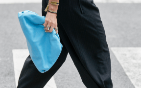 new york spring street style detail bottega veneta bright blue the pouch bag style landscape cropped